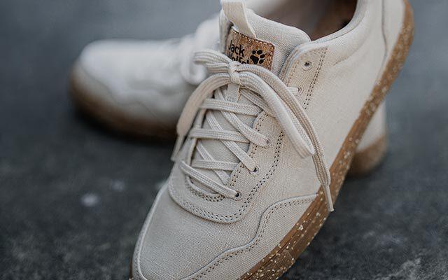 Women Leisure shoes & sandals