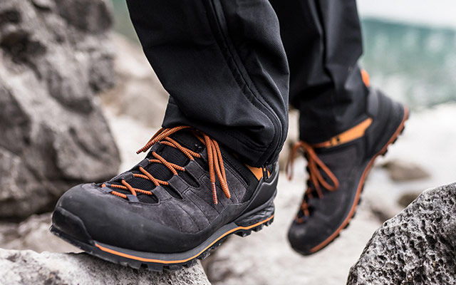 Men Hiking shoes